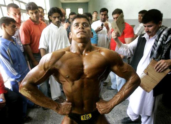 Datazione di un bodybuilder femminile steroidi